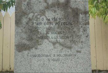 Kamenný kríž - nápis